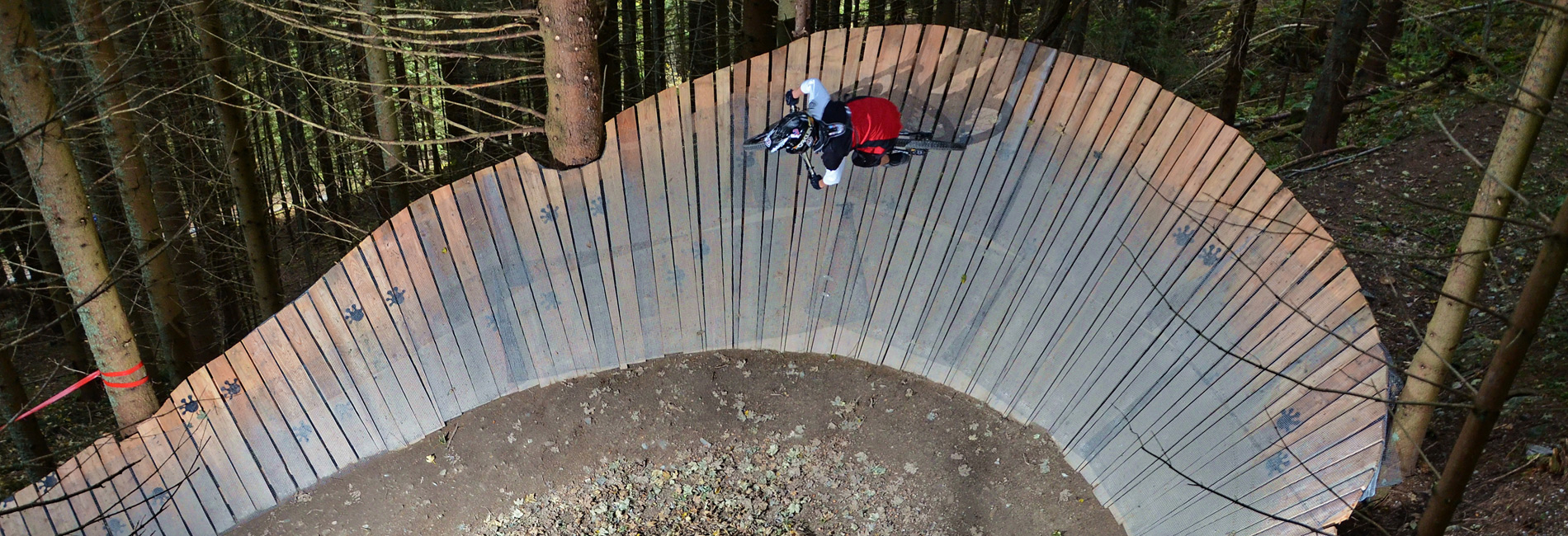 Wallride im Bikepark Semmering - Bikeaction pur - copyright Wiedhofer Philipp